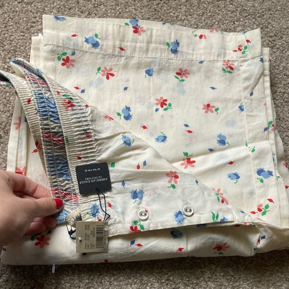 American Eagle outfitters flower pajama pants M